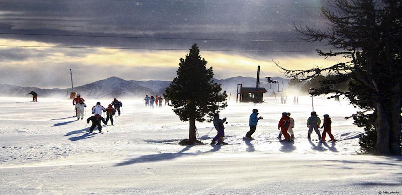Activité ski en colonie de vacances aux Angles.