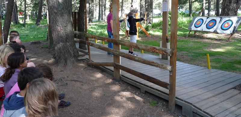 Activités pour enfants à l'Auberge de la Baliu PEP 34 des Angles (Pyrénées-Orientales).