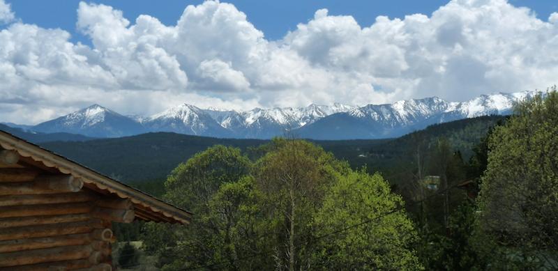 Montagnes et neige à l'Auberge de la Baliu PEP 34 des Angles (Pyrénées-Orientales).