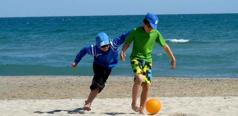 Activité à la plage au centre de vacances Le Grain de SEL PEP 34 de Palavas (hérault)