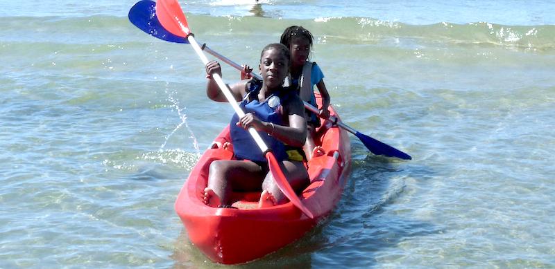 Activité kayak au centre de vacances Le Grain de SEL PEP 34 de Palavas (hérault)