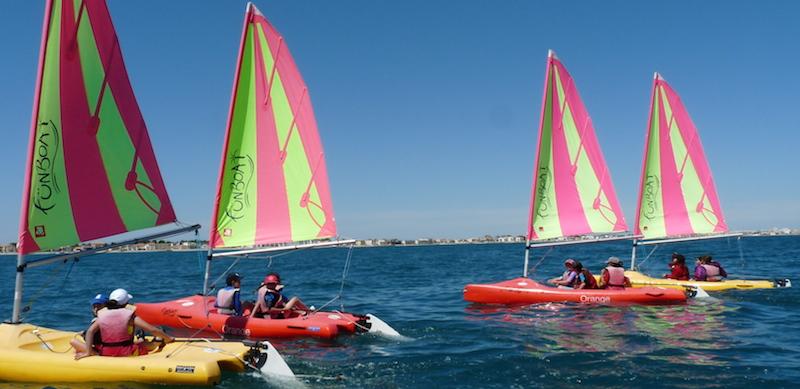 Activité voile en pleine mer avec les PEP 34.